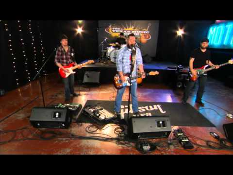 """Bleu Edmondson performs """"Blood Red Lincoln"""" on the Texas Music Scene"""