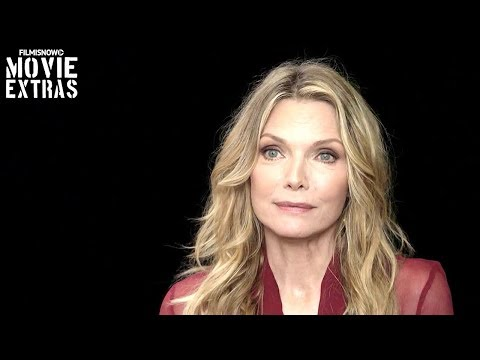 Mother!  Onset visit with Michelle Pfeiffer 'Woman'