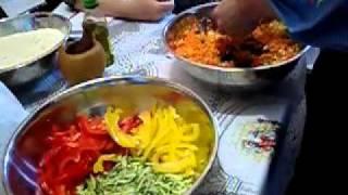 Тахир Хаеров готовит аюрведический салат