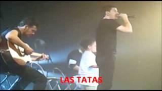 """Andy&Lucas cantando """"Por ella"""" en Sevilla"""