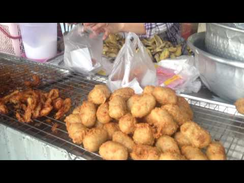 street food Fried bananas in poi pet city cambodia p2