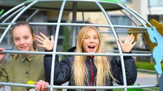РАЗВЛЕЧЕНИЯ С ПОДРУЖКОЙ Альбиной Игры во дворе Без родителей kids children для детей