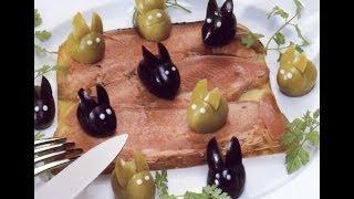 Украшение для блюд: зайчики из оливок