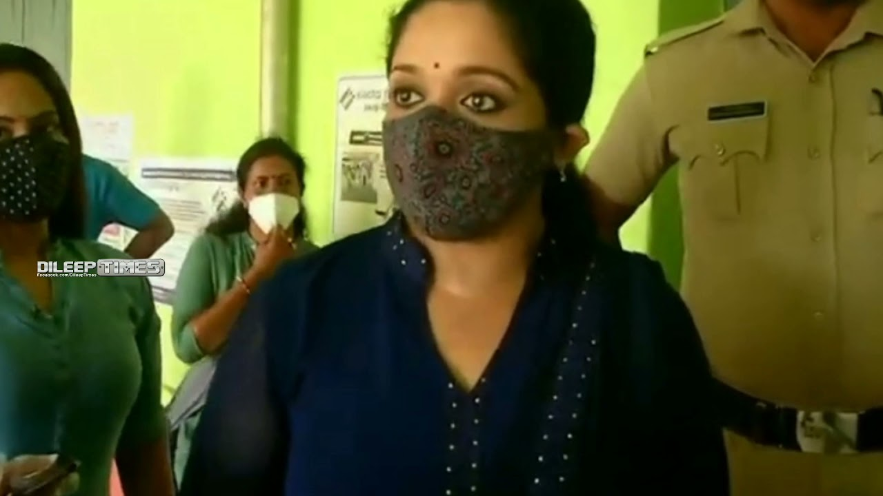 നാടിന് നന്മ ചെയ്യുന്ന ഭരണാധികാരികൾ വരട്ടെ എന്ന് ദിലീപേട്ടൻ 👍 Dileep and family casting their votes