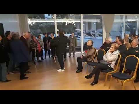 Cantareiros da Unión, con Mero á guitarra, interpretan O Carro en Sarria