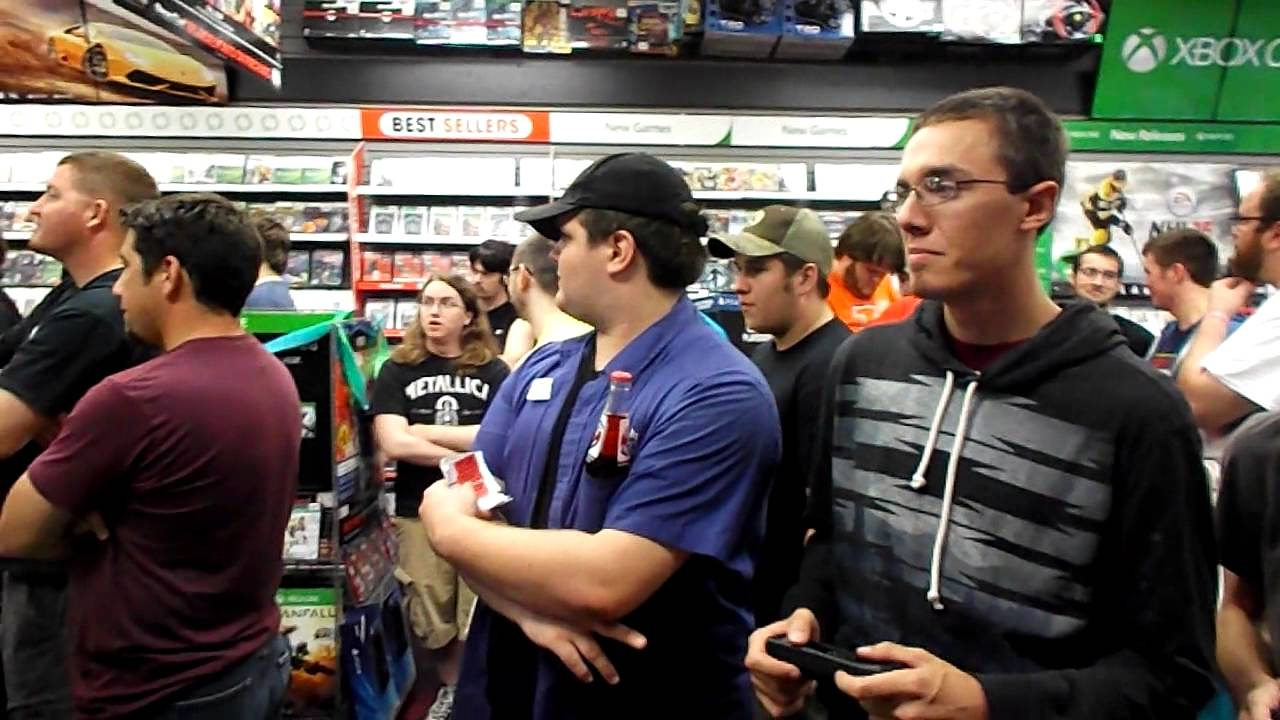 Destiny Midnight Release At Gamestop Youtube