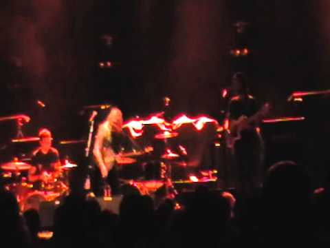 ELLE KING FULL SHOW STAGE AE PITTSBURGH PA 9-19-2012