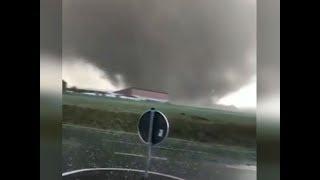 """Nordrhein-Westfalen: """"Sehr eindrucksvoller Tornado"""" wütet über Viersen"""