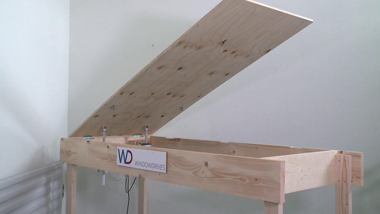 bodenluke kellerluke elektrisch ffnen mit spindelantrieb d31 300mm scharniere auf der kurzen. Black Bedroom Furniture Sets. Home Design Ideas