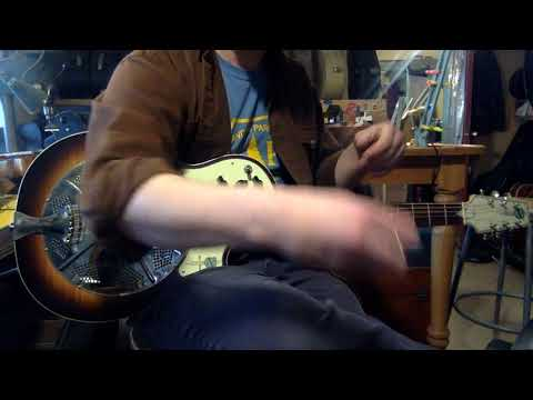 Jake demos a 2000s National Resolectric electric resonator guitar (pickups only)