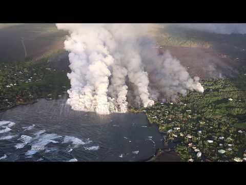 Hawaii volcano: Lava entering Kapoho bay