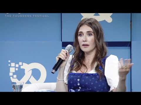 Carice van Houten - Artist, famous for Game of Thrones, at Bits & Pretzels 2017