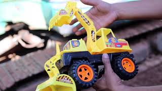 Experiment : Excavator Vs Toys