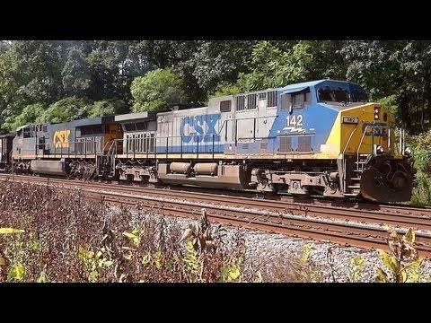 GE AC44CW & AC60CW Hauling Full CSX U883-26