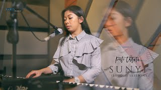 Puti Chitara - Sunyi (Studio Session) | OST Sunyi