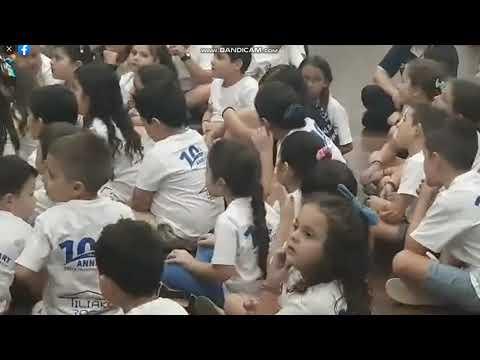 Τα μικρά παιδιά στο Ντάργουιν λένε τα κάλαντα του Λαζάρου
