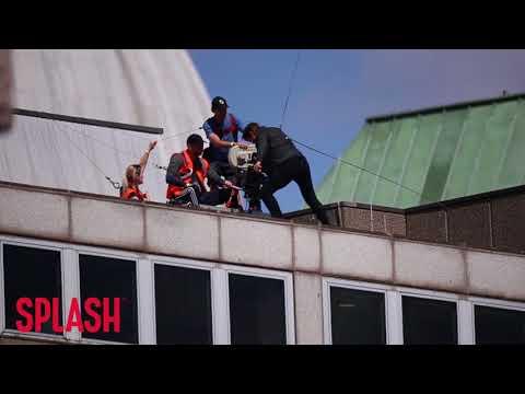 Tom Cruise Injured on Mission Impossible 6 Set | Splash News TV