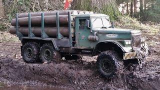 RC AXIAL SCX-10 6x6 Kraz 255  logging truck MUDDING