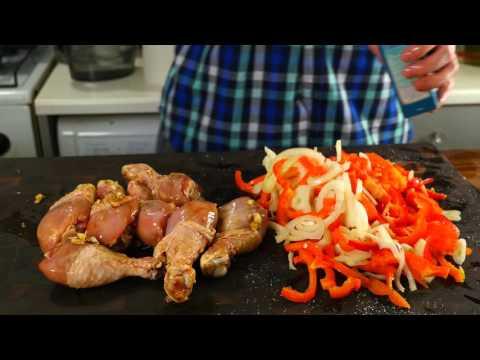 Просты куриные ножки с овощами в жарочном рукаве!