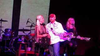 Kevin Moon and Lorrie Morgan Tell lorrie i love her