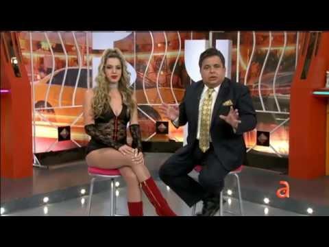 Carlucho explica porque una de sus bailarinas ya no esta en el show