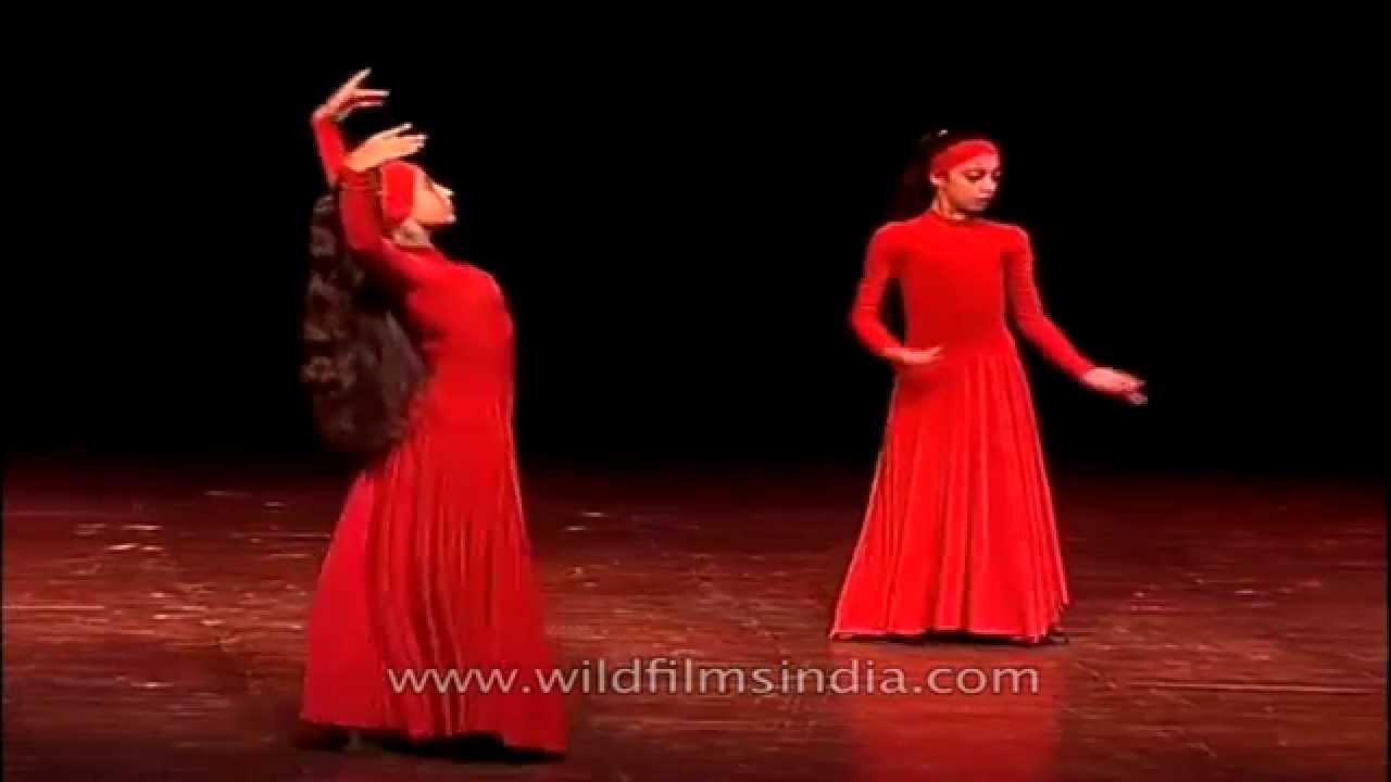 Traditional Armenian dance by Armenian girls in India
