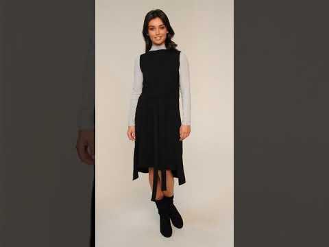 Video: CM4601 Sukienka-tunika bez rękawów - czarna