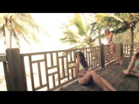 Sexy Girls & Bikinis In Hawaii!! Maui Beach!!
