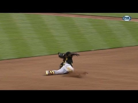 Reds throw out McCutchen after he falls