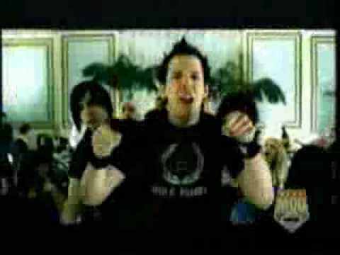 Simple Plan - Hit me baby one more time... - YouTube