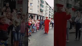 Музыкальному клоуну в Витебске - 13!