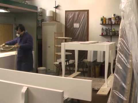 Laccatura mobili bianchi youtube for Laccatura mobili