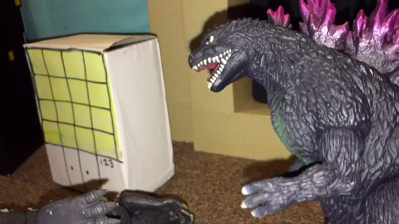 Godzilla 2004 vs Godzilla 2000 ||Toy Battle|| - YouTube