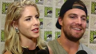 "Arrow Cast Talks ""Olicity"" Sex Scene & Felicity/Oliver Dating Future - Comic Con 2015"