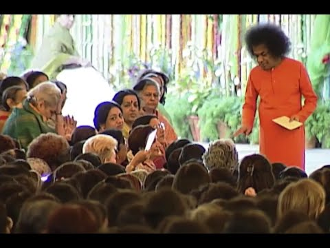 Thursday Divine Darshan of Sathya Sai Baba - Part 97 || Prasanthi Nilayam