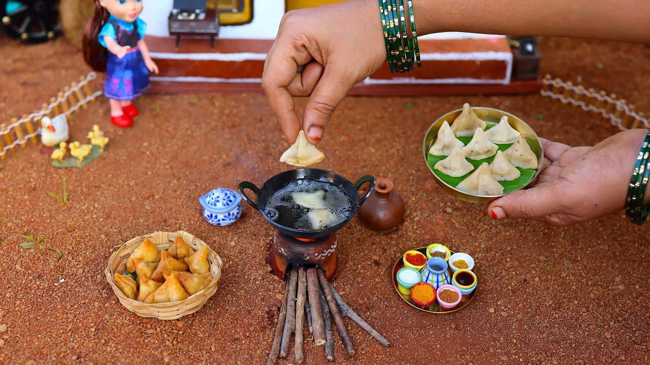 Tiny Chicken Samosa Recipe   Street Food   Indian Recipes   Perfect Samosa   The Tiny Foods