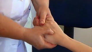 видео Массаж рук. Как делать массаж для рук