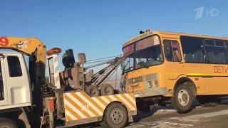 В Омской области задержали нетрезвого водителя, который сидел за рулем школьного автобуса.