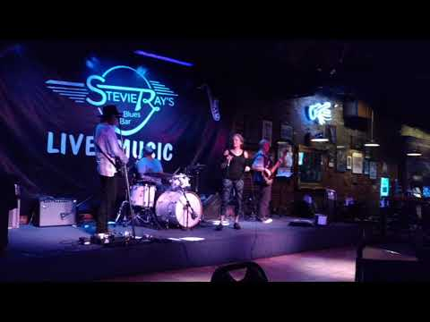 Kelly Lynn Annin at Stevie Ray's, Louisville KY.