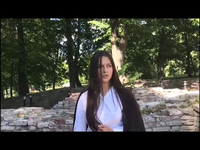 Изображение предпросмотра прочтения – ФаридаДжорубова читает отрывок изпроизведения «Сжала руки под темной вуалью» А.А.Ахматовой
