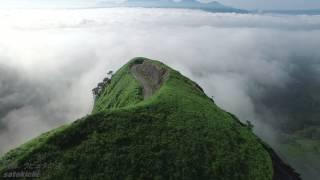 【絶景】【4K】 雲海の中のラピュタの道 阿蘇 【空撮】