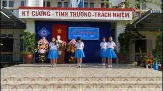 Múa Một thời tuổi hoa - 7A Khai giảng