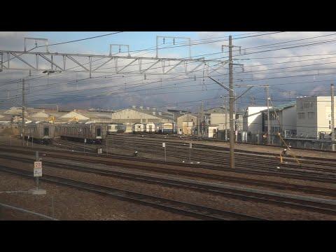 飯山線141D車窓より、廃車置場に解体される車両無い、長野総合車両センター。
