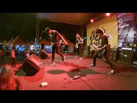EVERYONE NEVER DIE - AMARAH (Live At LocalMarket Semarang)