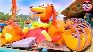 หนูยิ้มหนูแย้ม   ขี่สลิงกี้ด็อก Slinky Dog Spin
