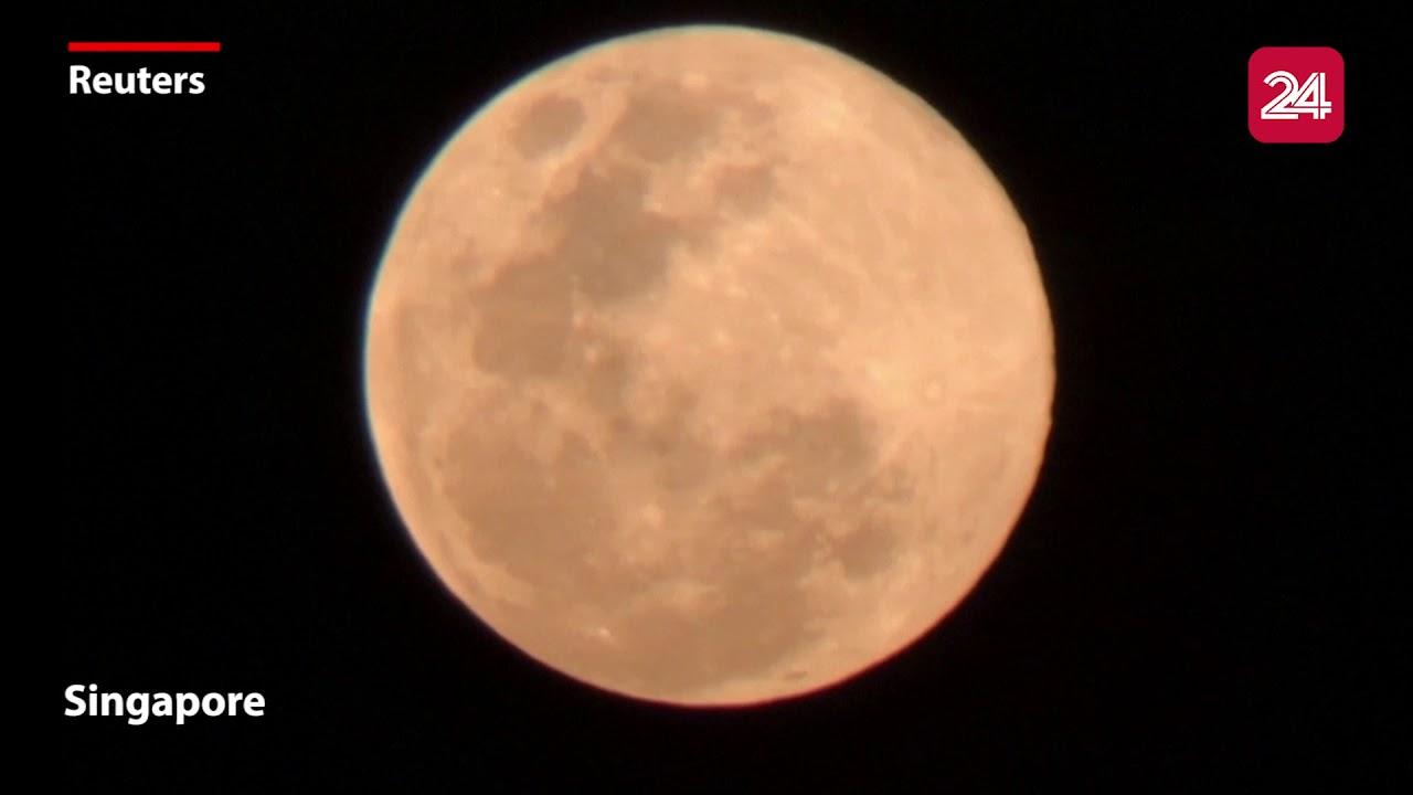 Ngắm siêu trăng cuối cùng của 2020 từ khắp nơi trên thế giới | VTV24