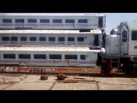 Rongsokan Gerbong Kereta Api