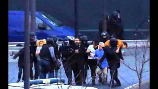 Video Images de l'assaut Porte de Vincennes (Paris) & Dammartin-en-Goële (Seine et Marne) download MP3, 3GP, MP4, WEBM, AVI, FLV Juli 2018
