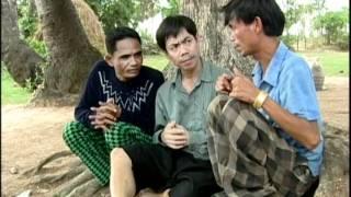 khmer comedy-ពាក់អាវមិនដែលឃើញដោះ 5/7