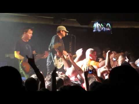 Blink 182 - Dogs Eating Dogs - Starland Ballroom Sept 10th 2013 (Live)
